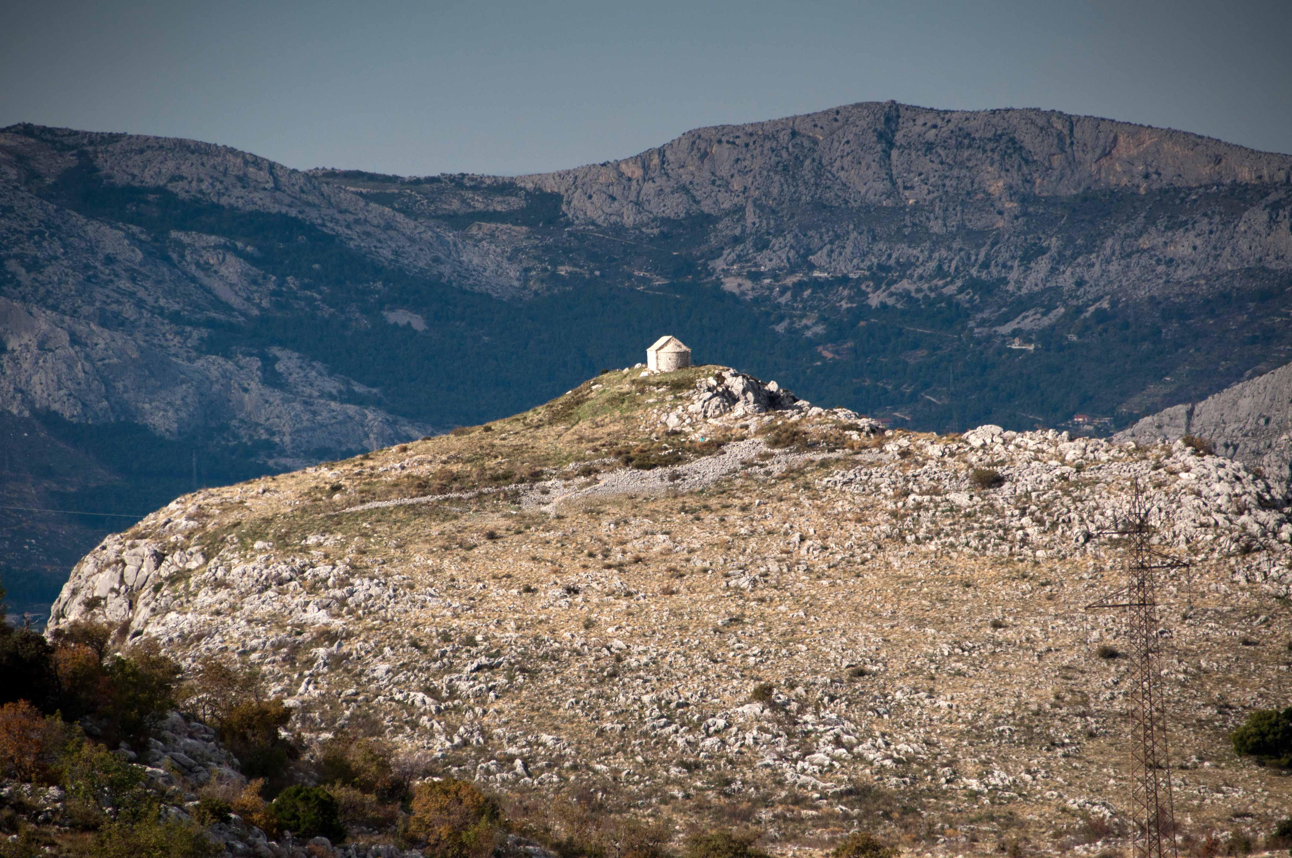 Sv. Jure, vrh Perunsko i tzv. Duga gomila (foto Ivica Lolić Kaja)